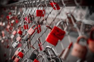 Governments Are Starting to Prohibit Love Locks